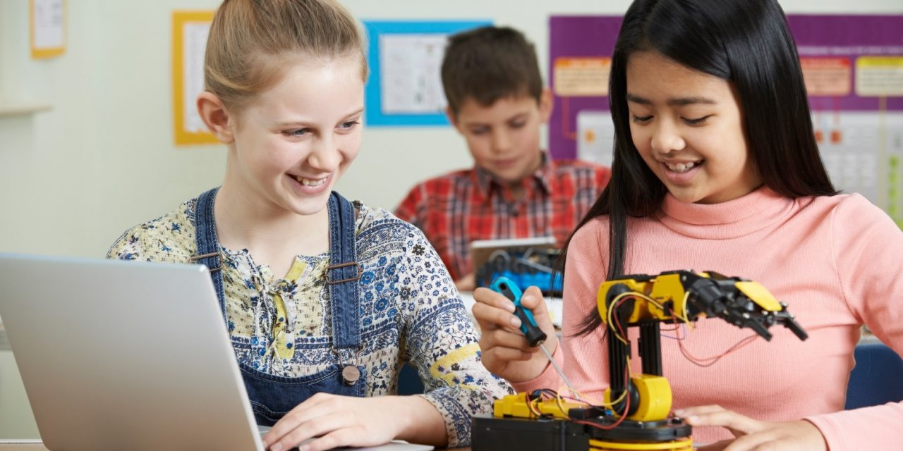 Girls are logging-off of computing subjects in the UK… Some thoughts as to why, and how we can all help to change attitudes and increase engagement!